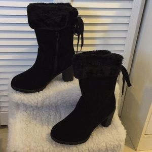 BRAND NEW adorable fur cuff boots!